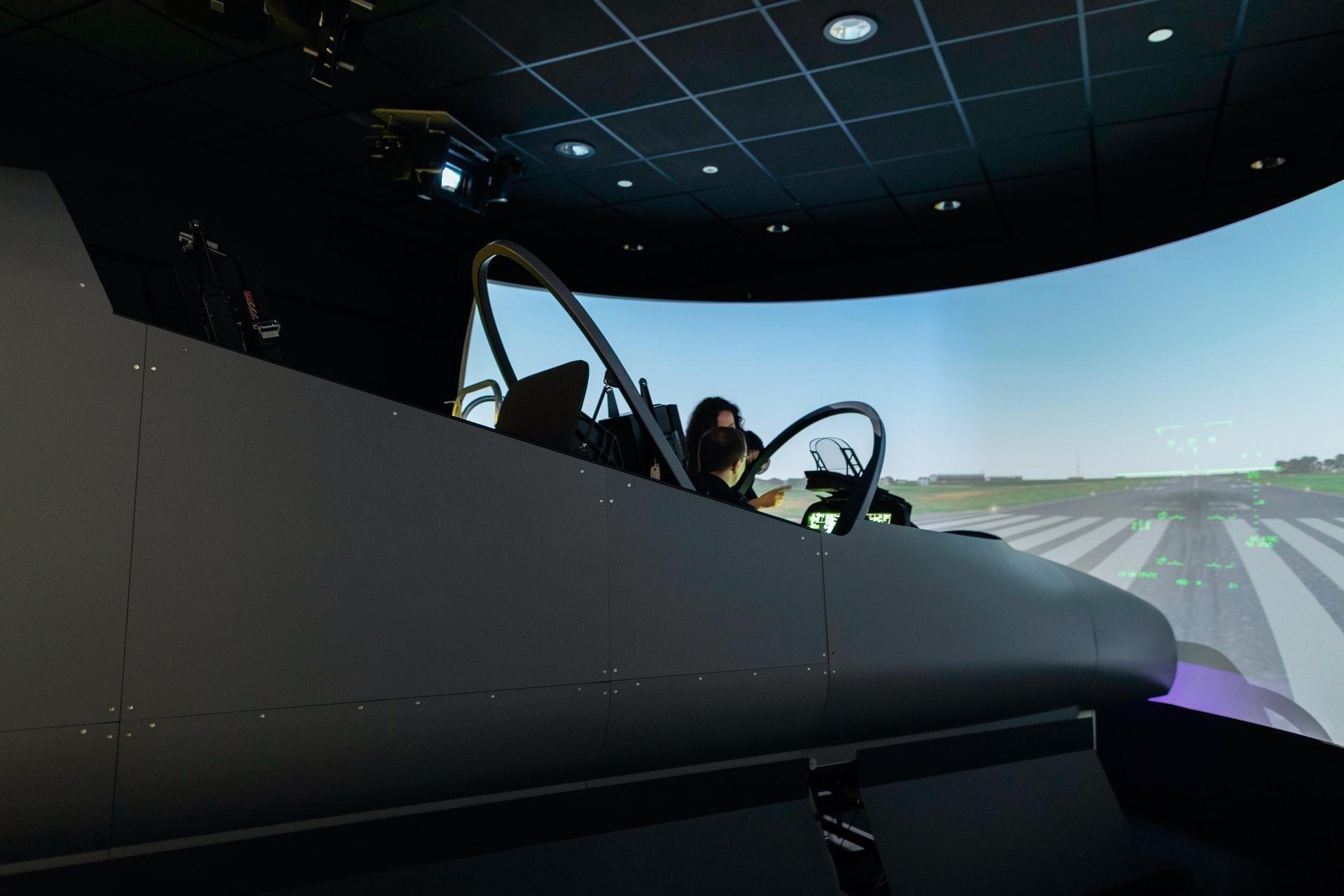 engineer-in-flight-simulator-3862137